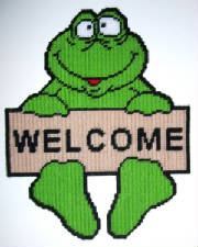 froghangingwelcomesign17x13.jpg